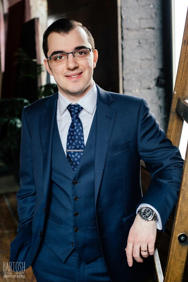 Фотосъемка бизнес портрета в Киеве. Портретная фотосъемка в Киеве . Профессиональный фотограф
