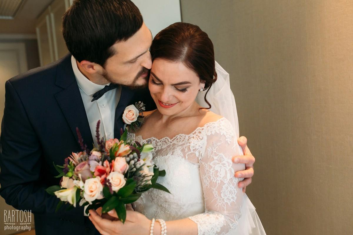 Свадебные фотографии Анны и Виктора в Киеве. Фотограф на свадьбу