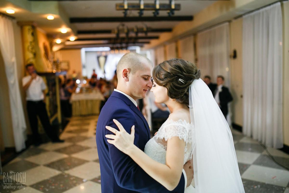 Свадебные фотографии Виктории и Николая в Киеве. Фотограф на свадьбу