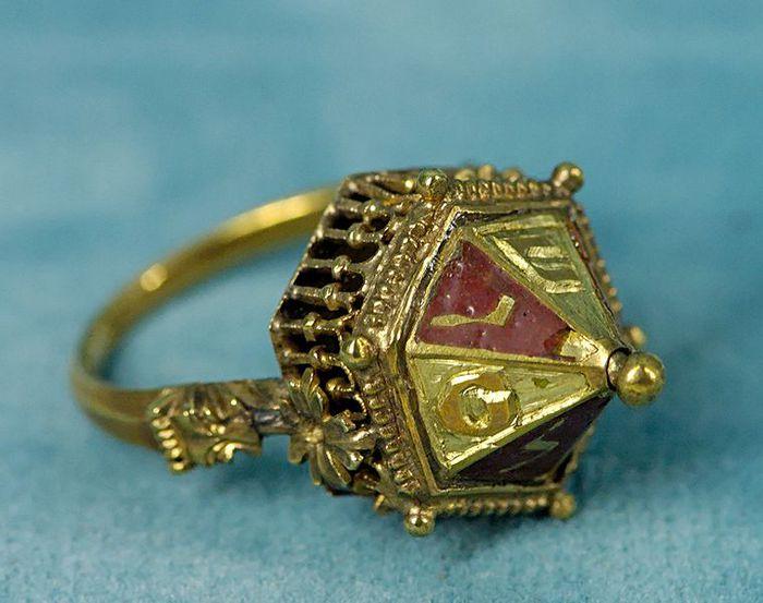Еврейское свадебное кольцо