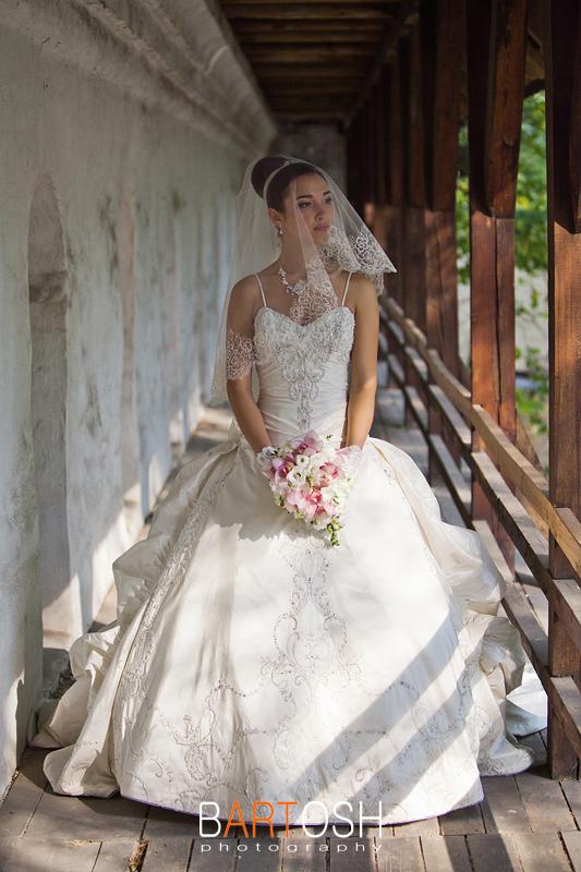 Бальное свадебное платье. Свадебный фотограф Бартош