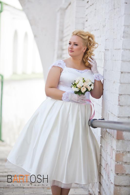 Свадебное платье для овального типо-сложения. Свадебный фотограф Дмитрий Бартош